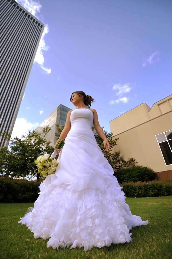 beautiful bride with tulsa photographers