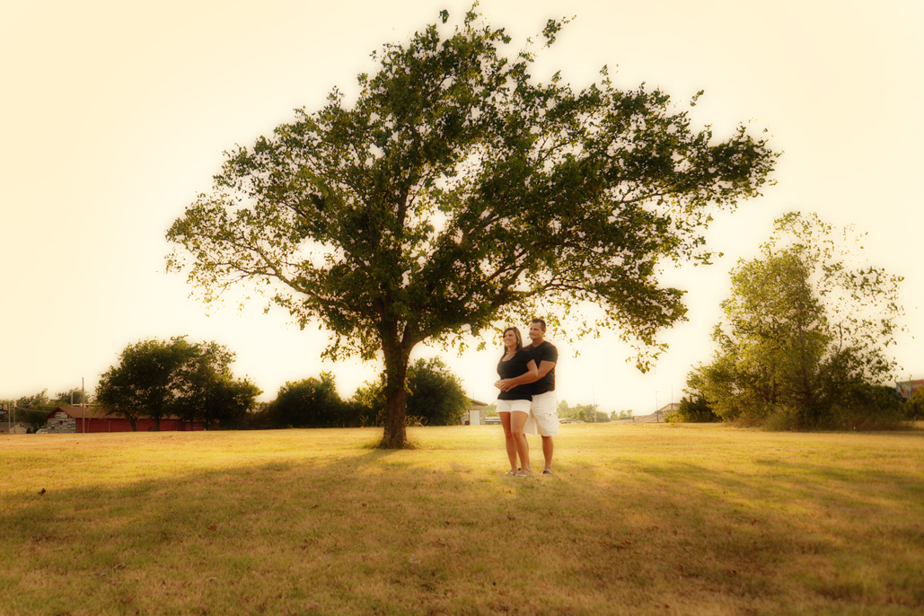 Emily & Danny's engagement pictures with tulsa photographers