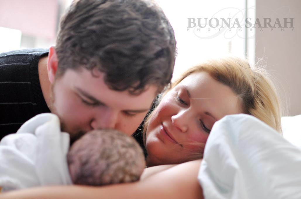 birth photography in tulsa with sarah deneui