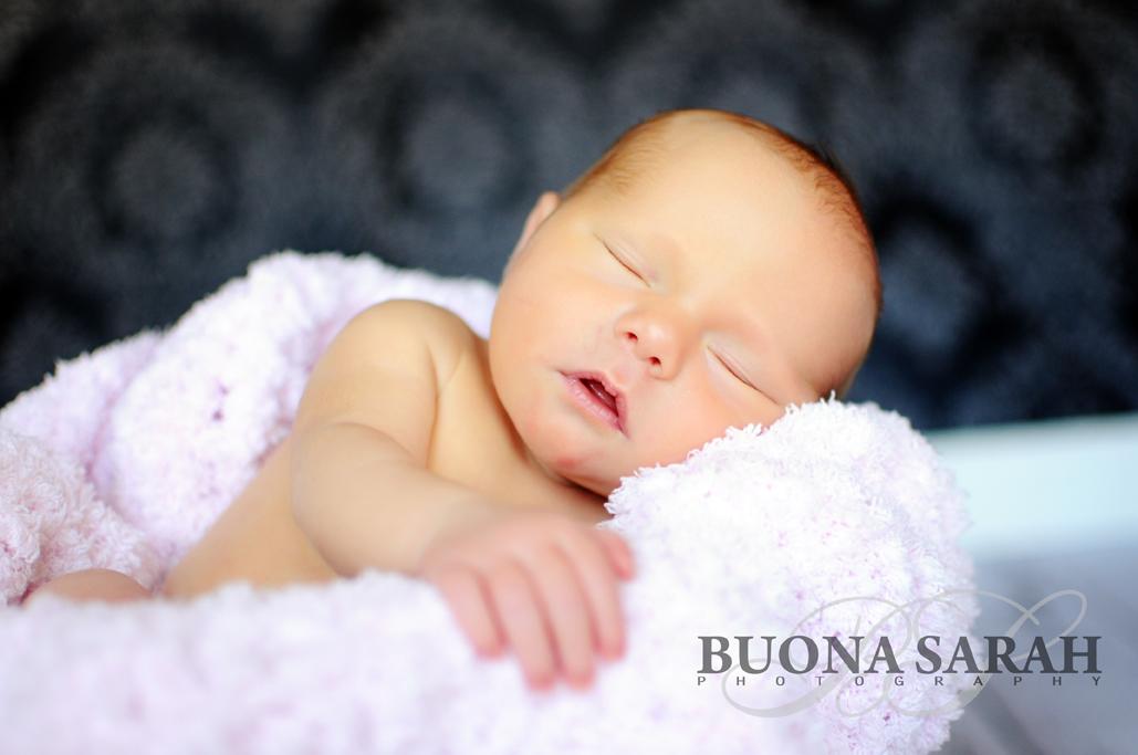 newborn posing tulsa