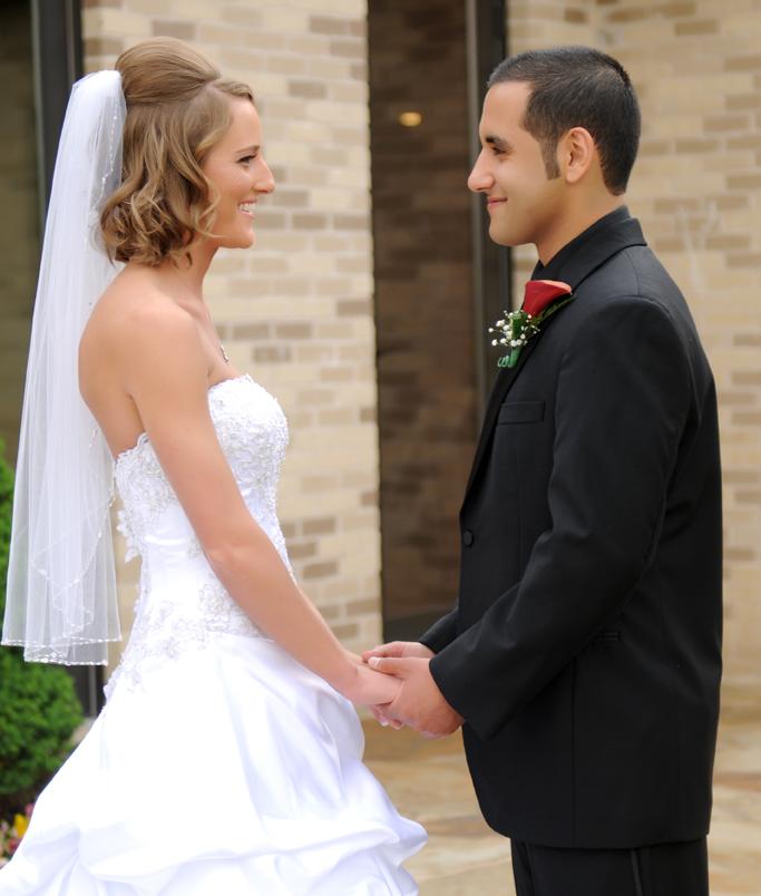 bride & groom with tulsa photographers at vesica piscis