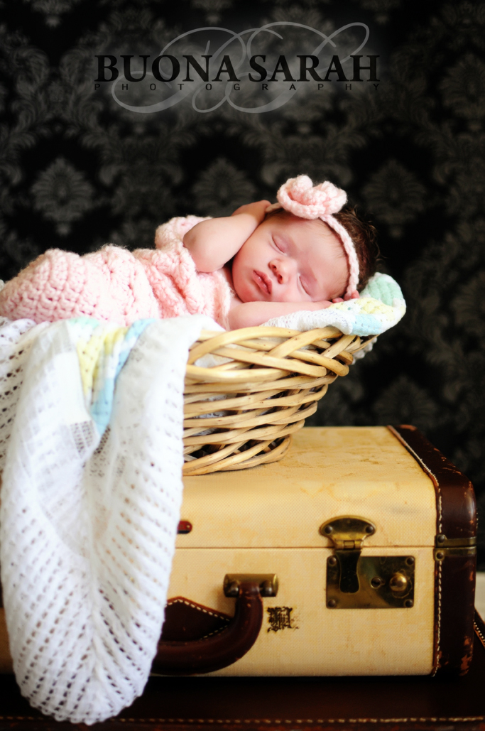 Makena                                                                     {tulsa newborn photograher}